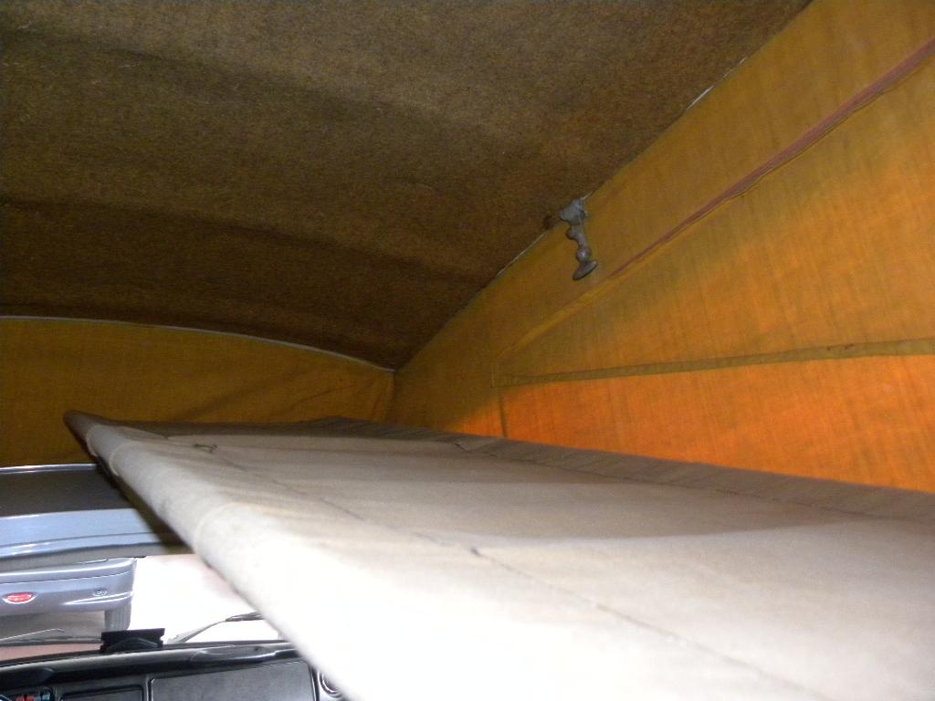 VOLKSWAGEN Transporter T2-A Westfalia - foto: 32