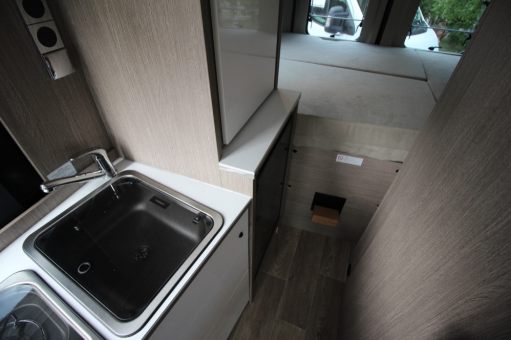 POSSL 2Win Plus Citroen 165cv ( Elegance + Tetto sollevabile + Truma d6 ) PROVALO A NOLEGGIO! - foto: 10