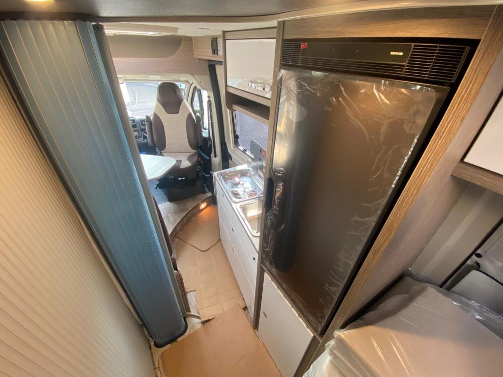 POSSL Roadcruiser Fiat e Citroen, il 636 con letti gemelli e bagno centralizzato  - foto: 13
