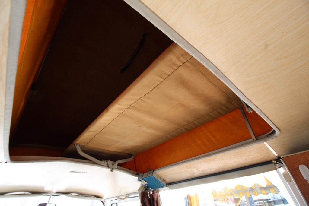 VOLKSWAGEN Transporter T2-A Westfalia - foto: 28