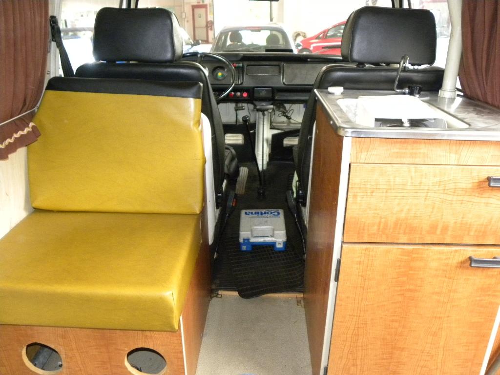 VOLKSWAGEN Transporter T2-A Westfalia - foto: 27