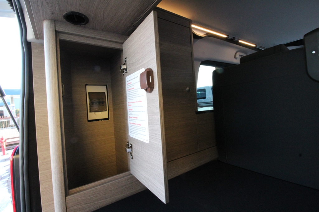 CAMPSTER Citroen SpaceTourer by Possl  (vers. camper) ( vers. camper ) 2.0 150cv ( + frigo, gancio traino, vetri oscurati, pack sicurezza 3 ) - foto: 11