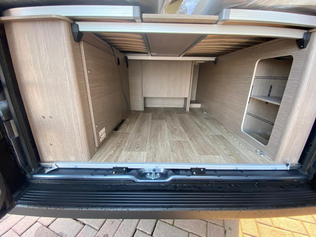 POSSL Roadcruiser Fiat e Citroen, il 636 con letti gemelli e bagno centralizzato  - foto: 6