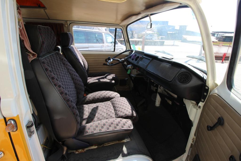 VOLKSWAGEN Transporter T2-A Westfalia - foto: 14