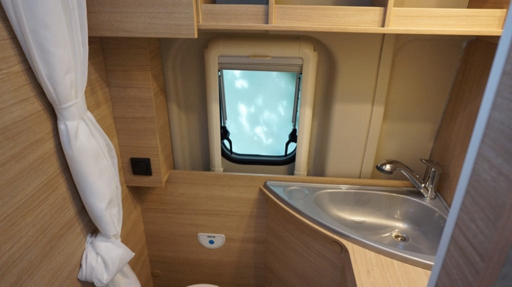 ROADCAR 601 Fiat 140cv 3,5t ( con Truma Diesel con cp plus, tavolo alternativo, finestra in bagno, dab )  - foto: 3