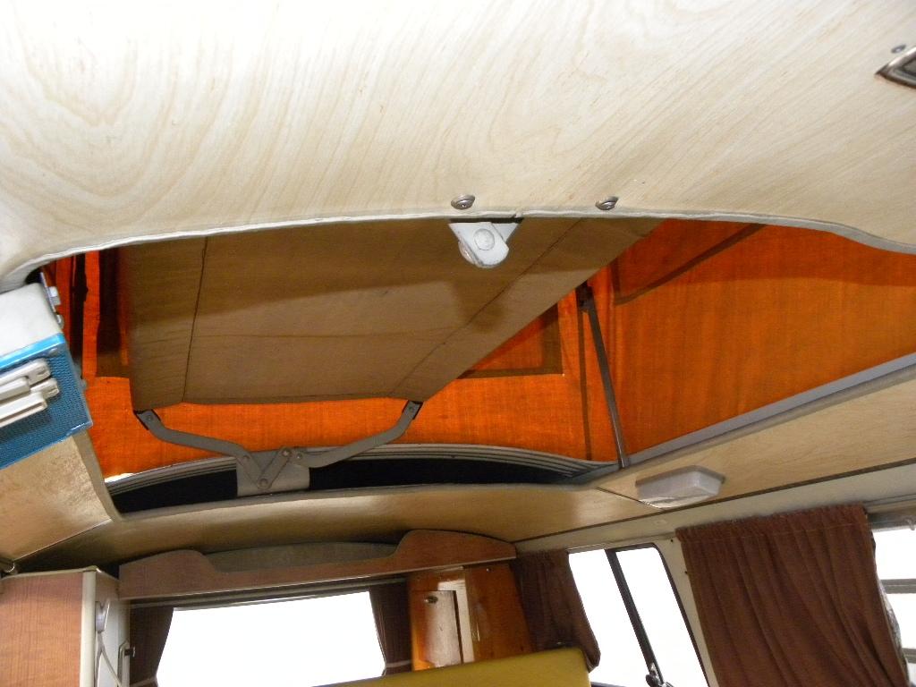 VOLKSWAGEN Transporter T2-A Westfalia - foto: 33