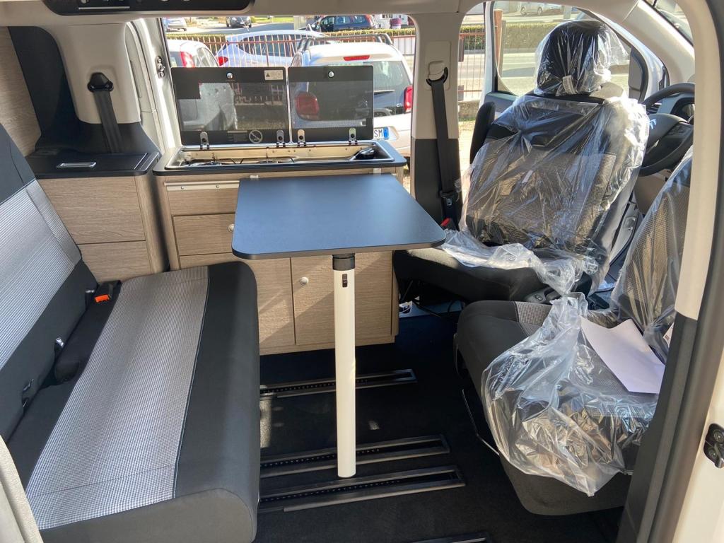 CAMPSTER Citroen SpaceTourer by Possl  (vers. camper) ( vers. camper ) 2.0 150cv ( + frigo, gancio traino, vetri oscurati, pack sicurezza 3 ) - foto: 20